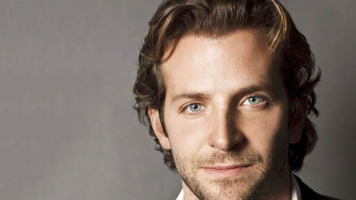 Bradley Cooper Cute Face Closeup N Grey Background